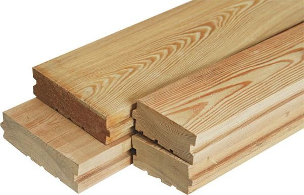 Для строительства кровати необходимы отшлифованные сухие доски.