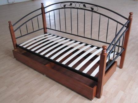 Если Вы не нашли в магазинах подходящую кровать - не расстраивайтесь, соорудите ее сами.