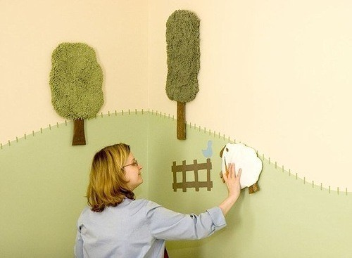 Аппликация на стене