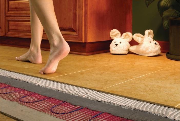 Электрические теплые полы набирают все больший оборот. Их уместно устанавливать в помещениях, где ощущаются резкие перепады температур.