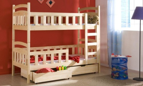 Простая деревянная двухъярусная кровать